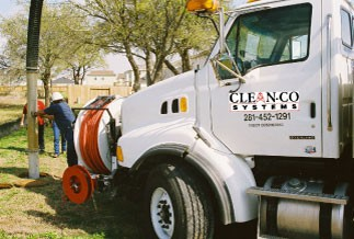 Strong trucks to clean sewers